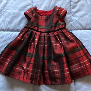 A gorgeous Christmas dress for an 18-month girl.